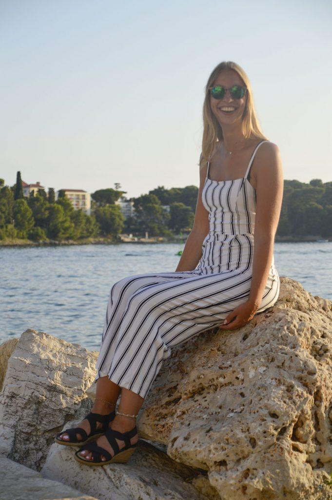 gestreepte jumpsuit outfit