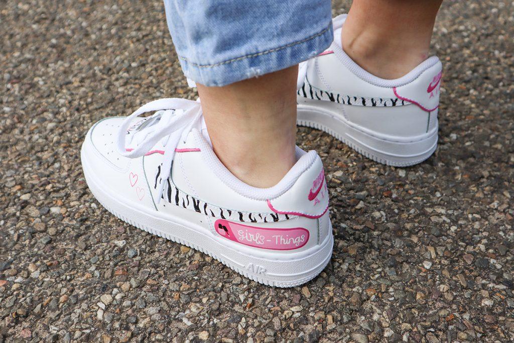 Girls-Things sneakers